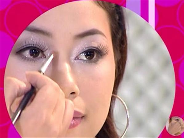 不同脸型彩妆技巧视频
