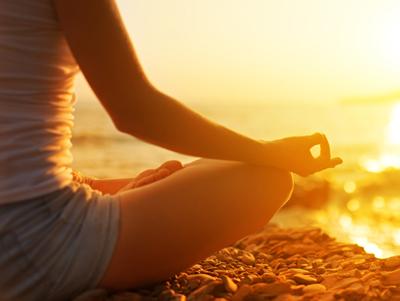 哈他瑜伽古典拜日式视频